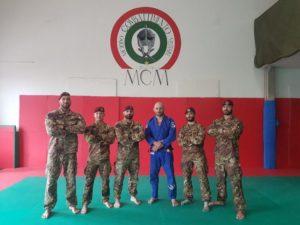 L'ESERCITO SI ADDESTRA NELLE MMA E NEL GRAPPLING